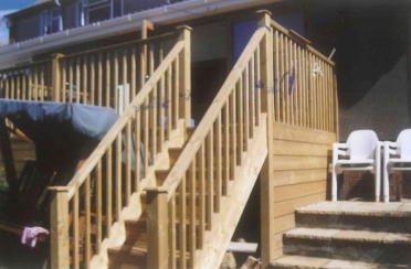 decking-with-stairs-01