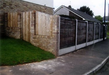fence-panels-with-concrete-post_clevedon