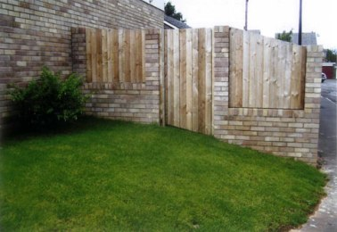 fence-panels-with-concrete-post_clevedon_02